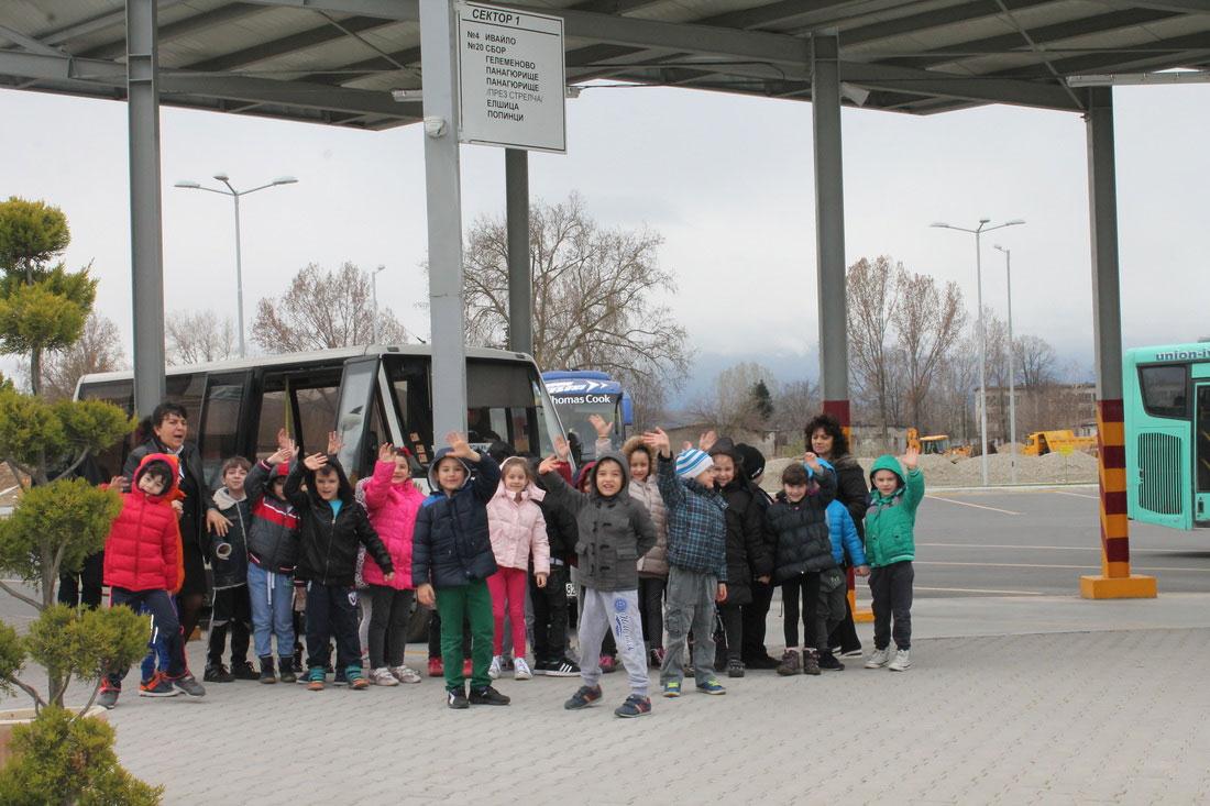 Картите за безплатно пътуване на децата до 7 години - валидни до 31 януари