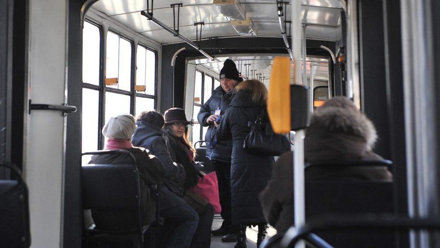 Линиите от градския транспорт ще се движат с променено разписание от утре